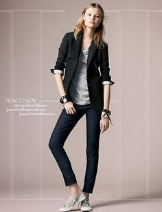 How to wear the boyfriend blazer paired with superskinny jeans -it's tomboy chic...
