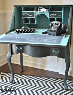 Turquoise and black, classic vintage way to organise your work space. #decor #office #interior #design