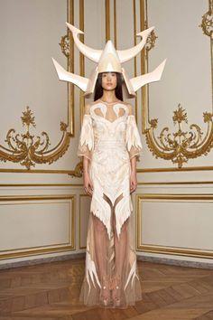 Givenchy techno viking