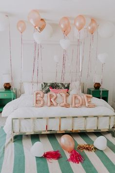 Springs Bachelorette Party with Tropical Bohemian Vibes Tropical bohemian bachelorette party ideas at this Palm Springs bash!Tropical bohemian bachelorette party ideas at this Palm Springs bash! Disney Bachelorette, Bachelorette Party Decorations, Bachelorette Weekend, Bachelorette Parties, Bachelorette Invitations, Bachlorette Party Cake, Bachelorette Party Pictures, Hen Party Decorations, Bridal Parties