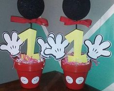 Mickey mouse centerpiece, mickey mouse birthday decor, mickey hands, table decorations, centros de mesa, mickey mouse everything