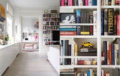 Book shelves - Showroom   Bloggers Delight