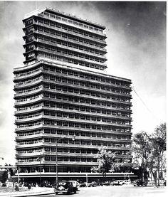Secretaría de Recursos Hidráulicos, México, DF, 1950    Arquitectos: Mario Pani y Enrique del Moral -    Secretariat of Hydraulic Resources, Mexico City, 1950    Architect