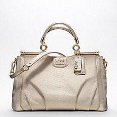Love this 1k purse