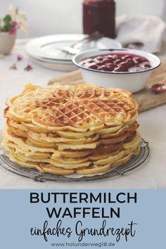 Buttermilchwaffeln mit heißen Kirschen Simple recipe for fluffy waffles with buttermilk: These butte Waffle Recipes, Cake Recipes, Brownies, Pancake Healthy, Fluffy Waffles, Buttermilk Waffles, Evening Meals, Few Ingredients, Keto Snacks
