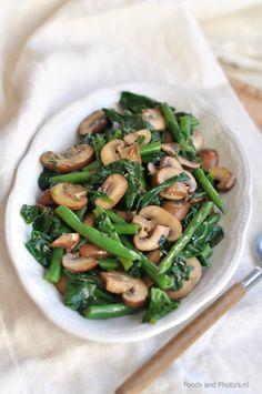 Warme champignonsalade met spinazie en boontjes | Vegetarian Recipes, Cooking Recipes, Healthy Recipes, Vegan Diner, Hello Fresh Recipes, Good Food, Yummy Food, Creative Food, Food Videos