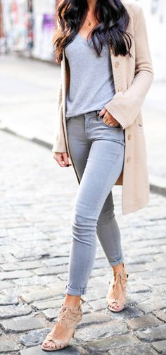 grey skinny jeans + tan cashmere sweater