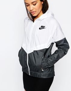Image 3 of Nike Hooded Windbreaker Jacket With Colour Block