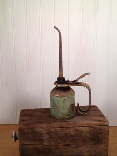 Vintage Oil Can on Etsy, $24.00