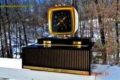 SCIENCE Fiction Fantasy 1959 Philco Predicta Model H765-124 Tube AM Clock Radio Works! by RetroRadioFarm on Etsy