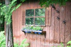 This idea gallery shows how to use old doors and windows in the garden to create focal points, gates, arbors, and garden art. Shed Windows, Garden Windows, Garden Doors, Old Window Projects, Outdoor Projects, Garden Projects, Garden Ideas, Obelisk, Garden Mirrors