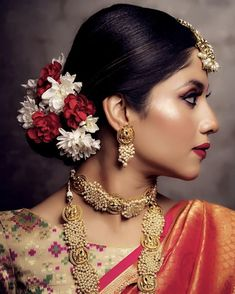 Top 85 Bridal Hairstyles that Needs to be in every Brides Gallery - DIY Frisuren einfach Indian Bun Hairstyles, Party Hairstyles For Long Hair, Lehenga Hairstyles, Open Hairstyles, Bride Hairstyles, Flower Hairstyles, Messy Hairstyle, Curly Hairstyles, Bridal Hair Buns