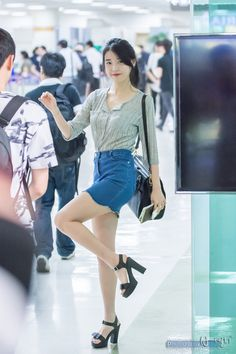 The Beauty of Chubby Leg Lines of K-pop Girl groups Female idol 12 December 2015 Kpop Fashion, Asian Fashion, Womens Fashion, Korean Airport Fashion Women, Kpop Mode, Airport Style, Korean Actresses, Korean Outfits, Ulzzang Girl