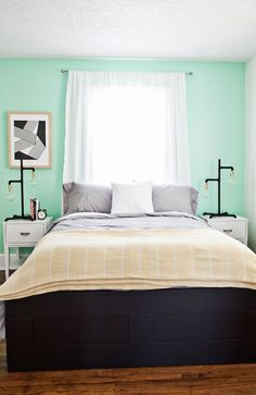 mint bedroom with industrial lights Mint Bedroom, Teal Rooms, Home Bedroom, Bedroom Diy, Bed Linens Luxury, Contemporary Bedroom, Dorm Room Decor, Simple Bedroom, Bedroom