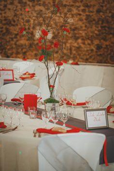 Décoration mariage rouge et gris - Les Bulles de Bonheur