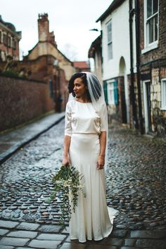 Bride wears Catherine Deane Bridal Separates for a Glamorous Wedding in York. Images by S6 Photography