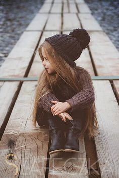 I love the way this little girl is dressed! My kids are gonna be dressed like this someday :)