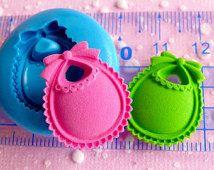 Baby Bib 22mm Flexible Mold Silicone Mold Kawaii Baby Shower Mini Cupcake Topper Mold Fimo Polymer Fondant Gumpaste Scrapbooking Mold MD543
