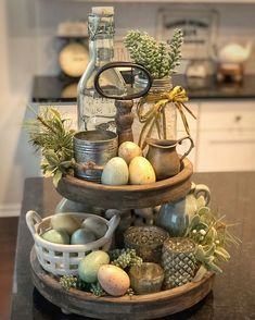 Awesome 35 Trendy Easter Decorations Ideas That Bringing A Farmhouse Appeal To Your Home. # candy quotes 35 Trendy Easter Decorations Ideas That Bringing A Farmhouse Appeal To Your Home - OMGHOMEDECOR Tray Decor, Decoration Table, Spring Decorations, Tray Styling, Spring Home Decor, Spring Kitchen Decor, Easter Table, Easter Eggs, Deco Table