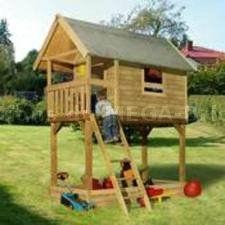 Cabane pour enfant sur pilotis Trampoline, Kids House, Picnic Table, Play Houses, House Styles, Backyard Ideas, Home Decor, Gardens, Games