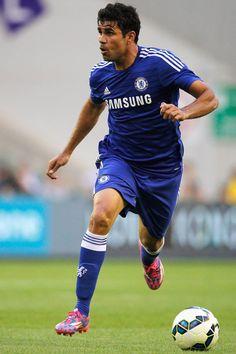 Chelsea 2 Real Sociedad Mourinho strikes it right as Diego Costa Chelsea Blue, Fc Chelsea, Chelsea Football, College Football, Premier League Teams, European Soccer, Stamford Bridge, English Premier League, Professional Football