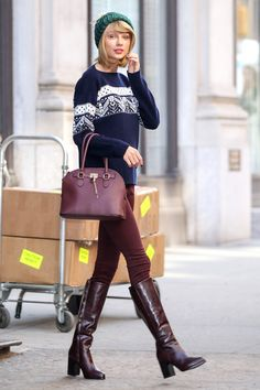 Taylor Swift leaves her apartment in New York City, on Nov. 13, 2014. AKM-GSI -Cosmopolitan.com