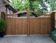 Modern and Natural Wood Gates Driveway Design