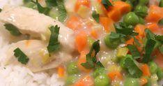 Składniki:   3 pojedyncze piersi z kurczaka   1/2 pora   3 ząbki czosnku   400 g mrożonki groszek + marchewka   2 łyżki masła   1/4... Grains, Rice, Food, Meal, Essen, Hoods, Meals, Eten, Korn
