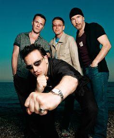 U2  I love when I randomly come across a U2 picture.  LOVE IT!