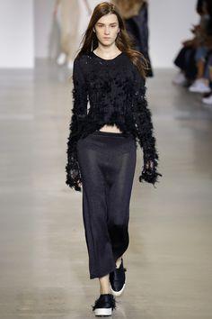 4b343e2ff463 Calvin Klein Collection Spring 2016 Ready-to-Wear Fashion Show