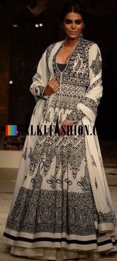 Models showcasing Rohit Bal's fabulous bridal and groom collection at Indian Bridal Fashion Week 2013 at Mumbai 02 Indian Bridal Week, Indian Bridal Fashion, Bridal Fashion Week, India Fashion, Suit Fashion, Runway Fashion, Bridal Anarkali Suits, Anarkali Dress, Lehenga Blouse