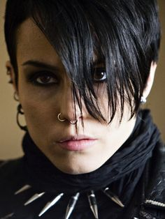 Book and movie worth reading. 'The Girl with the Dragon Tattoo'; Noomi Rapace as Lisbeth Salander. I haven't seen the American version yet. Millenium Film, Female Movie Characters, Fresh Movie, Lisbeth Salander, Stieg Larsson, Noomi Rapace, Sexy Women, Feminist Icons, Attractive People