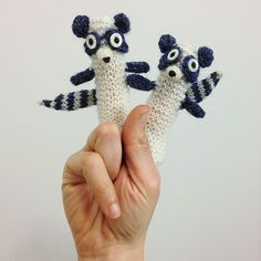 Ravelry: animalz's Raccoons finger puppet Yarn Animals, Knitted Animals, Finger Hands, Kids Patterns, Crochet Patterns, Hand Puppets, Crochet Toys, Crochet Baby, Knit Crochet