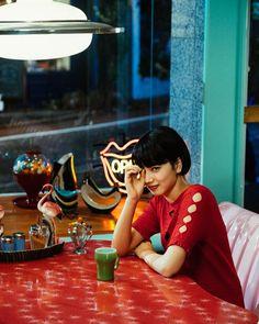 Photography Gallery, Film Photography, Komatsu Nana, Hongkong, Aesthetic People, Girls Gallery, Japanese Girl, Japanese Colors, Girl Photos