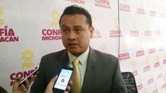 El dirigente estatal del sol azteca, Carlos Torres Piña, lamentó la decisión del gobierno federal de negar el traslado del cofundador de los autodefensas en Michoacán por considerarlo un preso ...