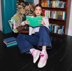 Brown Converse, Converse Shoes, Converse Chuck, Natalie Portman, Millie Bobby Brown, Online Photo Gallery, Season 3, Kylie Jenner, Celebrities