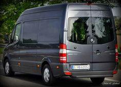 A 313 CDI high roof, standard length, Sprinter panel van on a test drive in Dusseldorf, Germany. Credit: Julian L. Gothard
