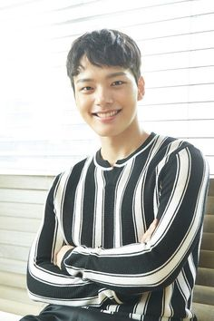 Yeo Jin-goo (여진구) - Picture Gallery @ HanCinema :: The Korean Movie and Drama Database Jin Goo, Sad Movies, Child Actors, Lee Jong Suk, Korean Actors, Dramas, Actors & Actresses, Idol, Boyfriend