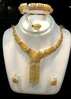 Gold Jewelry Buyers Near Me 18k Gold Jewelry, Quartz Jewelry, Royal Jewelry, Gems Jewelry, Diamond Jewelry, Jewelery, Diamond Necklace Set, African Jewelry, Crystals