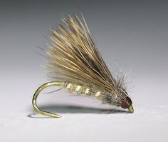 Krok: DaiiChi 1190 #16, tråd: 16/0, kropp: bäver, rib: Lagartun Small Flat Tinsel, vinge: CDC och hjorthår, thorax: harmask, huvud: bindtråd