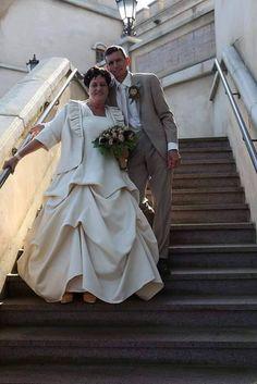 De moeder van Ilona van Heertum en haar stiefvader kozen voor de Efteling als decor voor hun trouwfoto's