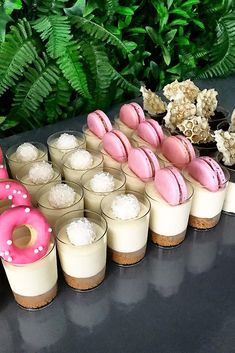 36 Creative Non-Traditional Wedding Dessert Ideas & Wedding Forward The post 36 Creative Non-Traditional Wedding Dessert Ideas Unique Wedding Food, Wedding Reception Food, Nontraditional Wedding, Brunch Wedding, Wedding Desserts, Wedding Catering, Mini Desserts, Mini Dessert Cups, Wedding Week