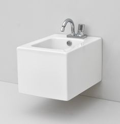 BLOCK, The.Artceram collection  design Meneghello Paolelli Associati. Wall- hung bidet.