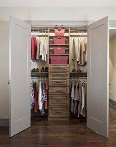 Amazing 30 Modern Designs of Walk In Closets : Small Walk In Closet