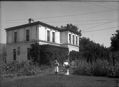 Architect I.H. Rapp's residence on East Palace Avenue in Santa Fe, NM, 1912, by Jesse nusbaum. Palace of the Governors Photo Archives 061489.