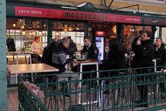 A frappáns nevet viselő MoszkvaTéR autentikus szortimenttel és menükínálattal a Belvárosi Piacon várja az orosz kulinária iránt érdeklődőket.