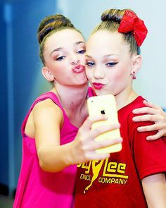 Dance Moms Maddie and Kendall. So sweet. But I do miss Maddie's friendship with Chloe:( they used to be this close