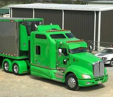 Kenworth custom T-660 with matchin reefer