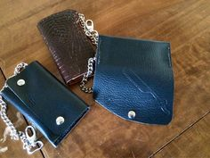 #new #leather #barber #wallet with #razor #leathercraft. Can be ordered in your #custom #style . It's a #leather #wallet with #chain 2 paper places and room for many cards. #2015 #fashion #leatherwork #men #barber #rogierbarbier #Handmadebyortlep #real #men #webshop  Just for €65,- ex transport and sending #worldwide
