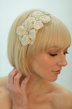 Wedding Flower headband, so pretty.